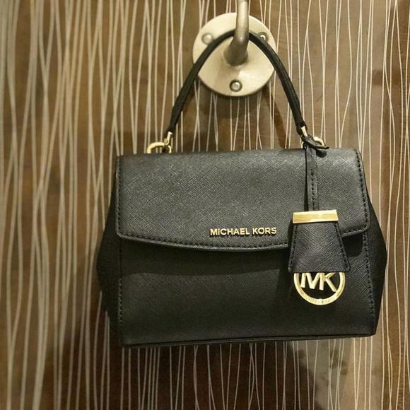55e3879c6f1b Michael Kors Bags | Ava Mini Wallet | Poshmark